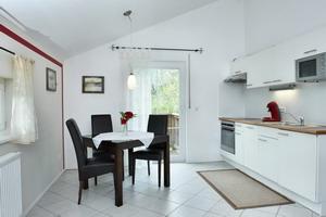 """Ferienwohnung """"Simssee"""" - Küche mit Essbereich"""